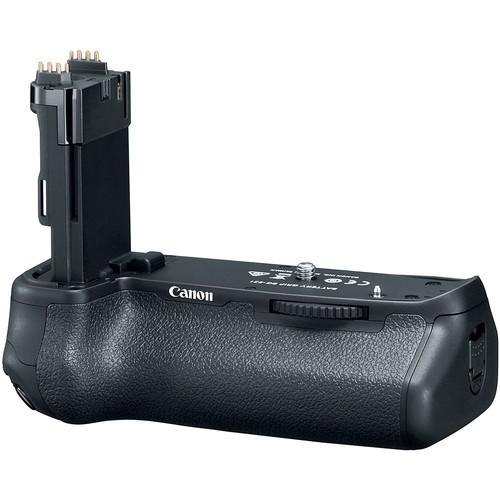 Canon BG-E21 Batteriegriff - Schrägansicht