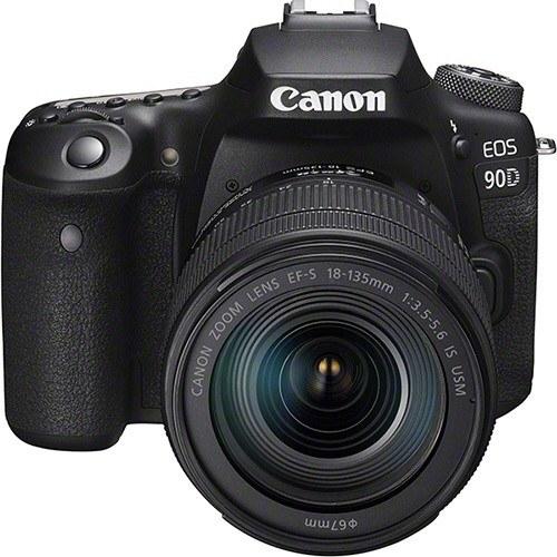 Canon EOS 90D Kit mit EF-S 18-135mm Objektiv - Frontansicht