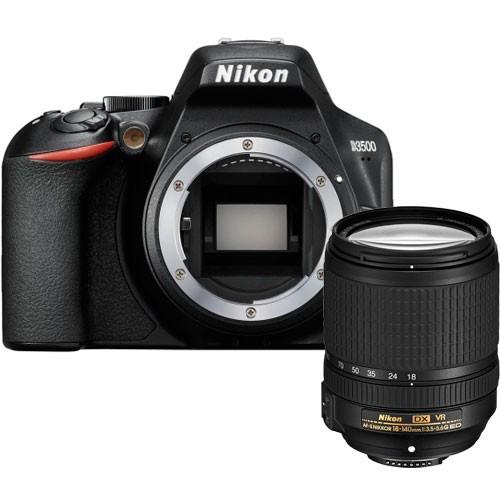 Nikon D3500 Kit mit 18-140mm VR Objektiv - Frontansicht