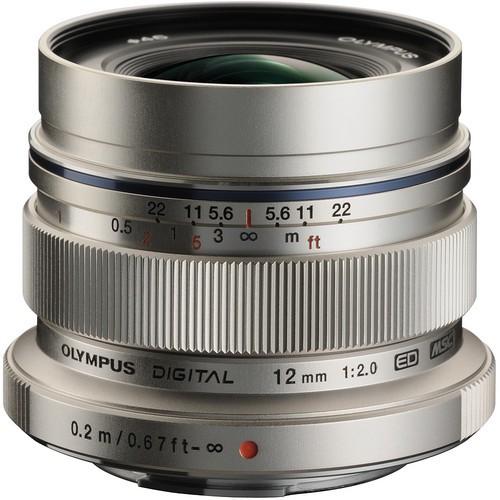 Olympus M.Zuiko Digital ED 12mm f/2 Objektiv silber