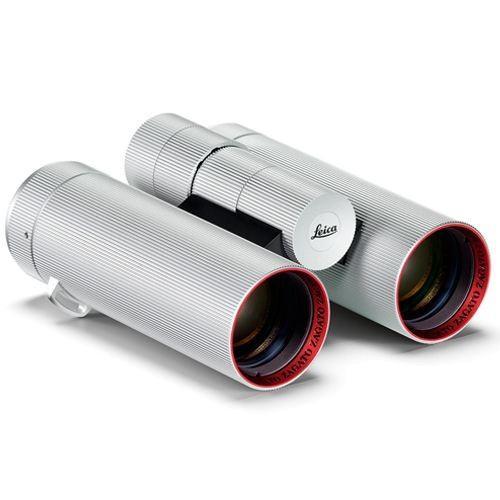 """Leica 8x32 Ultravid """"Edition Zatago"""" Fernglas - Schrägansicht"""