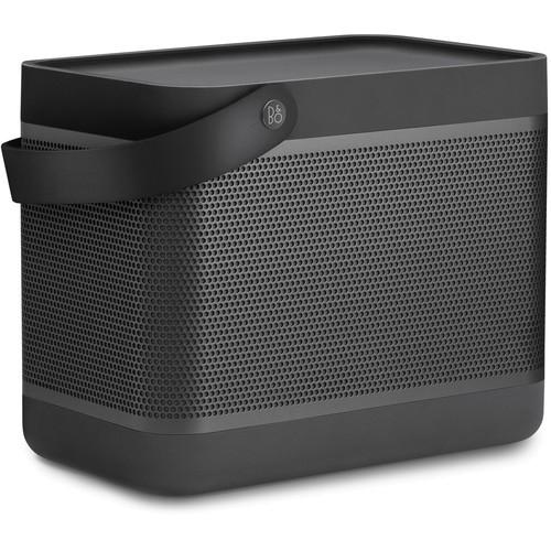 Bang & Olufsen Beolit 17 Wireless Bluetooth Lautsprecher - Schrägansicht