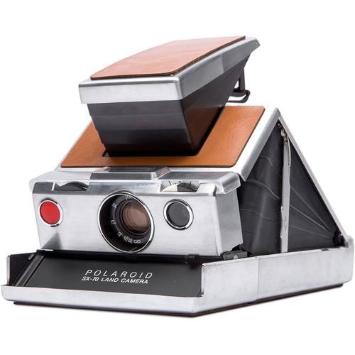 Polaroid Originals SX70 Sofortbildkamera silber/braun - Schrägansicht