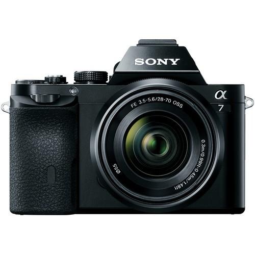Sony Alpha 7 Kit mit SEL 28-70mm Objektiv - Frontansicht
