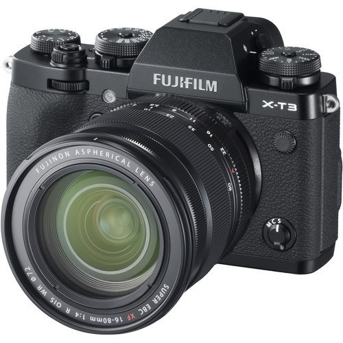 Fujifilm X-T3 Kit mit XF 16-80mm Objektiv - Schrägansicht