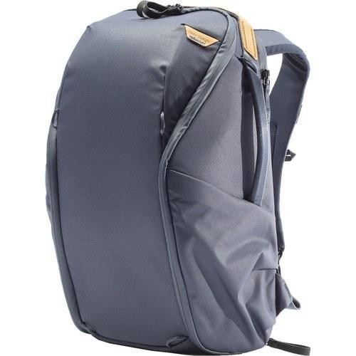 Peak Design Everyday Rucksack Zip V2 (20L, Midnight) - Schrägansicht