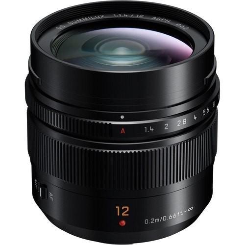 Panasonic Leica DG Summilux 12mm f/1.4 ASPH. Objektiv - Schrägansicht