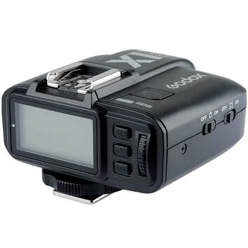 Godox X1T-F Blitzauslöser für Fujifilm - Schrägansicht