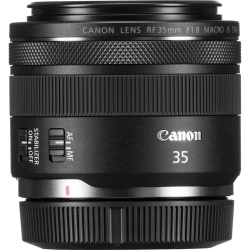 Canon RF 35mm f/1.8 IS Makro STM Objektiv - Schrägansicht