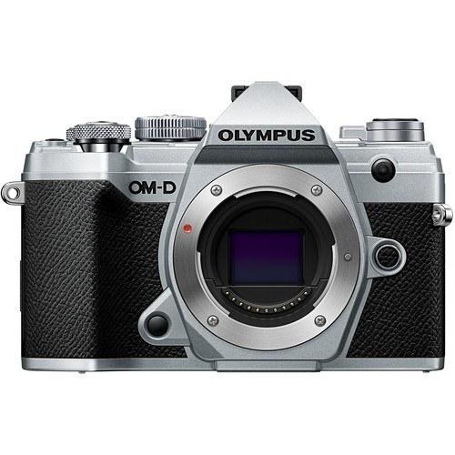 Olympus OM-D E-M5 Mark III Kit mit 12-40mm Objektiv silber - Frontansicht