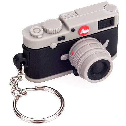 Leica USB Stick 16GB 'Leica M10' - Schrägansicht