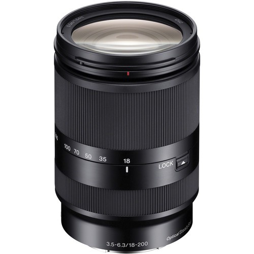 Sony E 18-200mm f/3.5-6.3 OSS LE Objektiv - Frontansicht