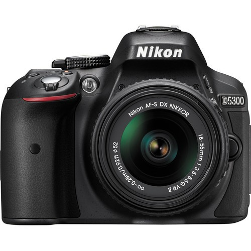 Nikon D5300 Kit mit 18-55mm Objektiv