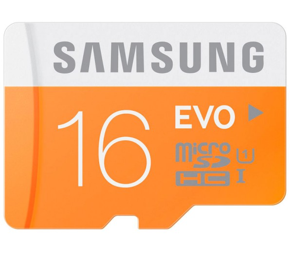 Samsung microSDHC 16GB EVO Speicherkarte mit USB-Reader - Frontansicht