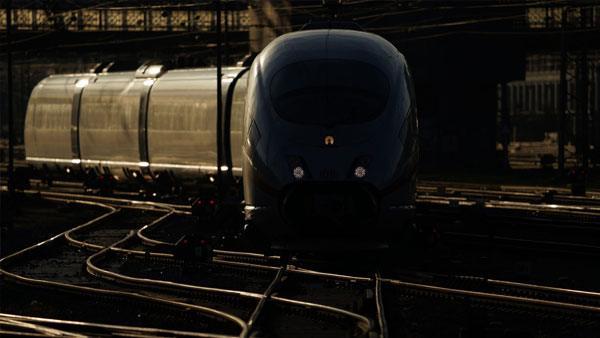 sony-fe-200-600mm-objektiv-train