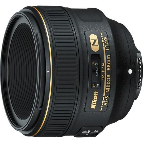Nikon AF-S 58mm f/1.4 G Objektiv + HB-68 + CL-105